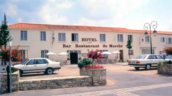 Hotel restaurant du march beauvoir sur mer for Piscine beauvoir sur mer